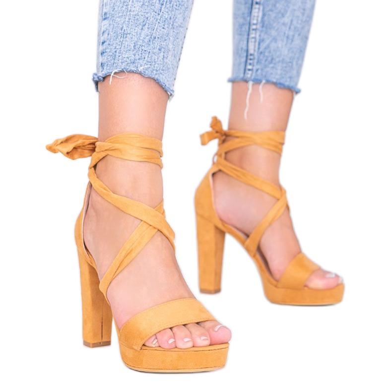 Ginny kamelin nauhalliset sandaalit ruskea