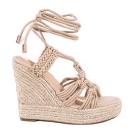 Seastar Sidotut sandaalit korkealla kiilalla beige
