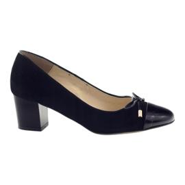 Pumput, joissa on keula Sagan 2275 naisten kengät musta