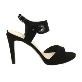 Nahkaiset sandaalit neulalla Edeo 3208 musta