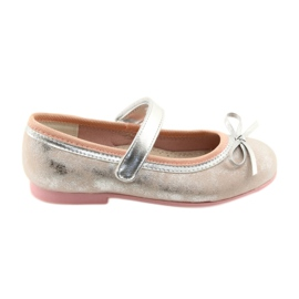 Ballerina-kengät, joissa on American Club GC18 keula