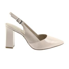 Pinkki Naisten sandaalit Caprice 29604: n virkaan