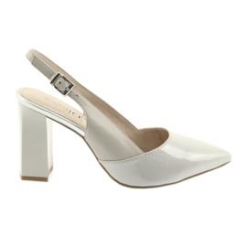 Naisten sandaalit postissa Caprice 29604 harmaa