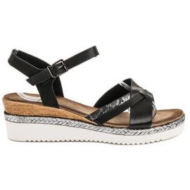 Evento Musta sandaalit kiilassa