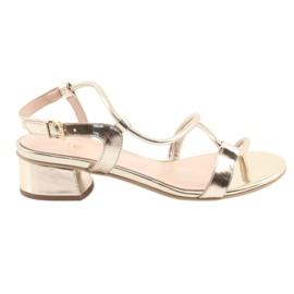 Sandaalit kultaa koroilla Edeo 3386 keltainen