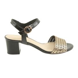 Espinto Sandaalit mustalla / kultaisella postilla