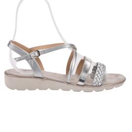 Kylie harmaa Hopeat sandaalit alustalla
