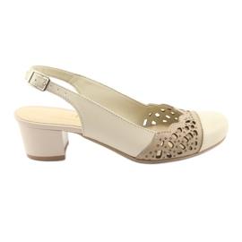 Ruskea Gregors 771 beige naisten sandaalit