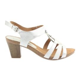 Caprice-naisten sandaalit, joissa koristelu 28308 hopea soikea