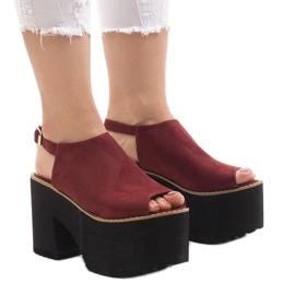 Burgundy sandaalit massiivisessa B8290-tiilissä