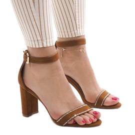 Kamelin sandaalit A8020-postissa ruskea