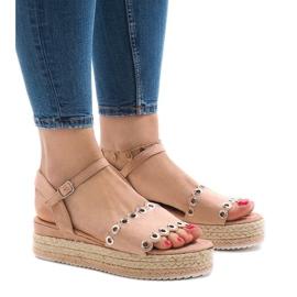 Pinkki Vaaleanpunaiset sandaalit alustalla 99-46