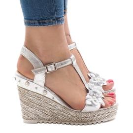 Hopeakiila sandaalit kukkia T-682-5 harmaa