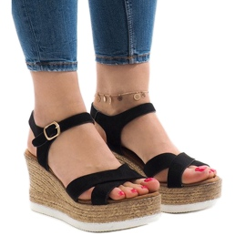 Musta sandaalit kiilakorkoon XL104