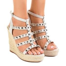 Harmaat sandaalit olkihihnalla 9529