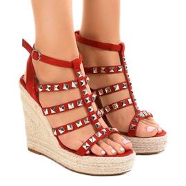 Punaiset sandaalit olkihihnalla 9529 punainen