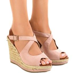 Pinkki Vaaleanpunaiset sandaalit kiilakorkoilla LM-0205