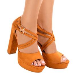 Oranssi sandaalit mokkanahkainen D09