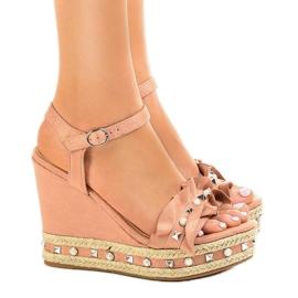 Pinkki Vaaleanpunaiset sandaalit kiilahelmillä 2445