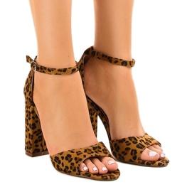 Panther-sandaalit, joissa on mokka P-6700