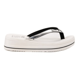 SHELOVET On kiikun Wedge Heels valkoinen