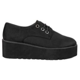 SHELOVET musta Mokkanahka kengät alustalla
