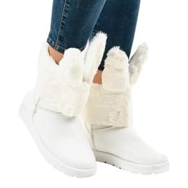 Valkoinen mokkieristetty Eskimos NB137