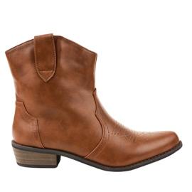 Ruskeat saappaat cowboy-saappaissa 928-1