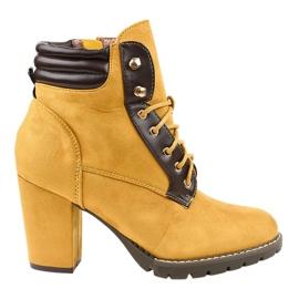 Keltaiset mokkanaappaat postilla 995-37 keltainen