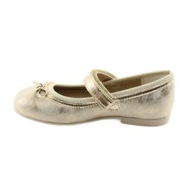 Ballerina-kengät, joissa on American Club GC18 keula 2