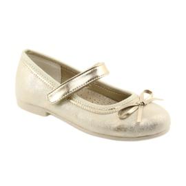 Ballerina-kengät, joissa on American Club GC18 keula 1