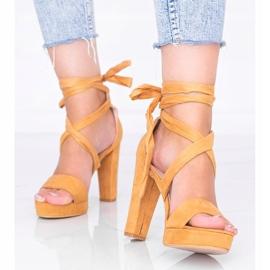 Ginny kamelin nauhalliset sandaalit ruskea 1