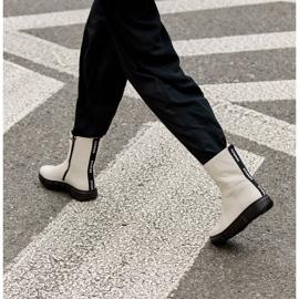Marco Shoes Urheilulliset valkoiset nilkkurit pehmeästä luonnollisesta nahasta valkoinen 9